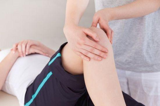 Болит колено с внешней стороны больно разгибать после сидения thumbnail