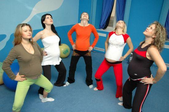 Беременные на гимнастике