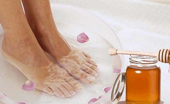 Мед и ванночка для ног
