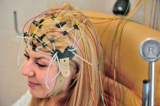 провода на голове