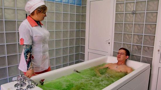 Принятие хвойной ванны