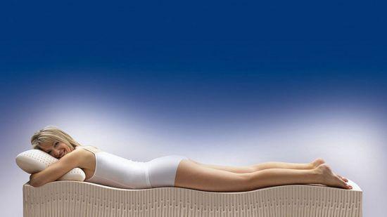 Сон на ортопедическом матрасе и подушке