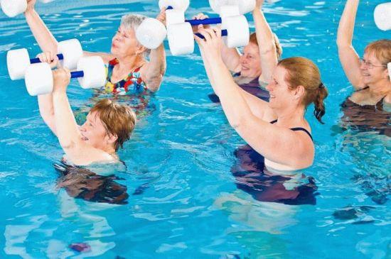 Фитнес в бассейне