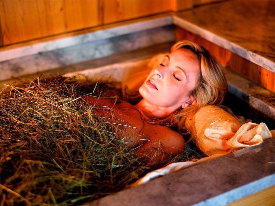 Принятие ванны с сеном