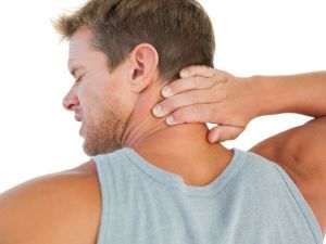 Болит шея при повороте головы: чем вызваны симптомы, как их устранить и предотвратить