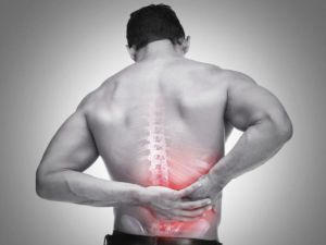 Боль в спине под ребрами