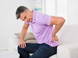 Боль в спине у мужчины