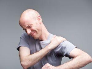 Боль в левом плече и предплечье. Причины резкой, ноющей, отдающей боли, возможные болезни