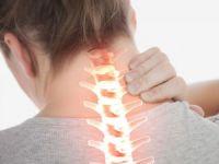 Больно поворачивать шею в правую сторону