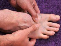 Если болят пятки и трудно вставать по утрам – что это и как лечить?